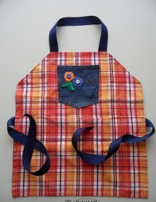 Upcycled-kids-apron-224x300