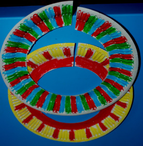 african-paper-plate-necklace